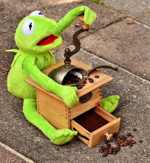 What is blonde coffee, Kermit grinding coffee