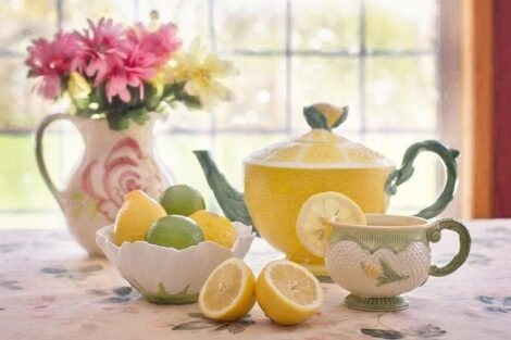 How to clean a stainless steel coffee pot, lemons on a table